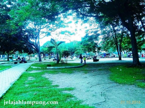 taman hijau kota metro