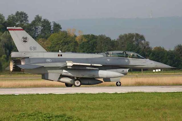Dua Jet Tempur F-16 Singapura Lakukan Scramble Menuju Wilayah Perbatasan Malaysia