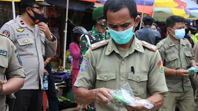 10000 Masker Gratis Dibagikan Forkopimda dan Kapolres Toraja Utara