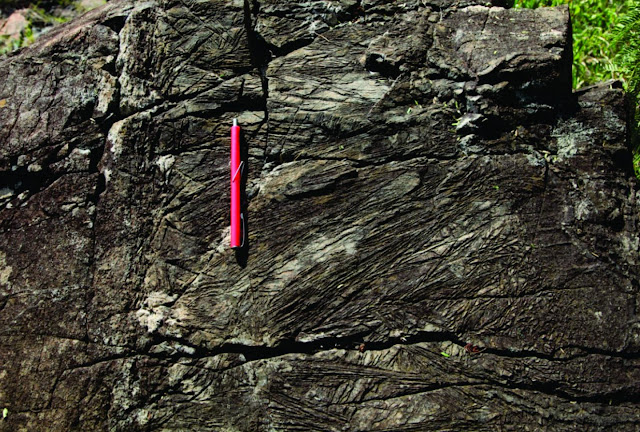 Drop of ancient seawater rewrites Earth's history