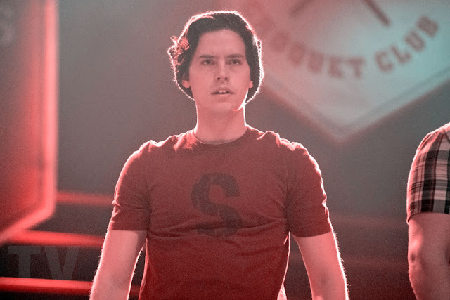 Riverdale - Reveals Jughead is alive