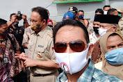 Gubernur DKI Jakarta Anis Baswedan Bersama Dandim 0503/JB dan Kapolres Jakarta Barat Kunjungi Korban Kebakaran.
