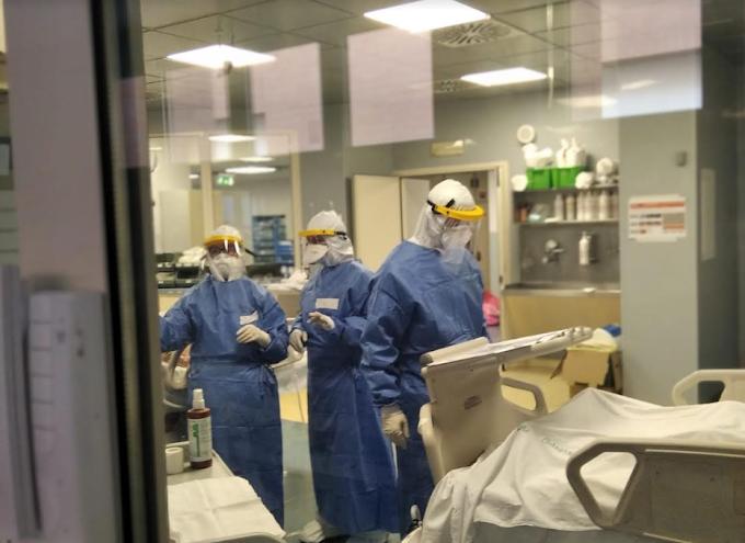 Coronavirus: contagi risalgono in Italia, +412. 6 vittime