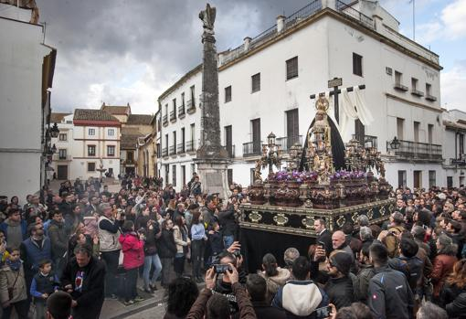 Peana, leyendas y cartelas: así es el futuro del paso de la Virgen de la Soledad de Córdoba