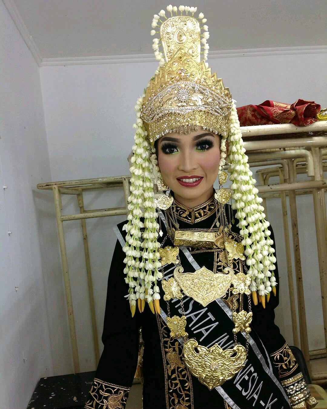 """SANGGAR NUSANTARA DOT COM """"  Jakarta: SEWA BAJU ADAT KUTAI, HUB"""