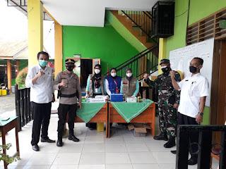 Serbuan Vaksinasi Nasional Wilayah Kodim 1421/Pangkep di SMPN 1 Labakkang
