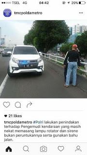 mobil pribadi pun ditilang yang menggunakan lampu strobo