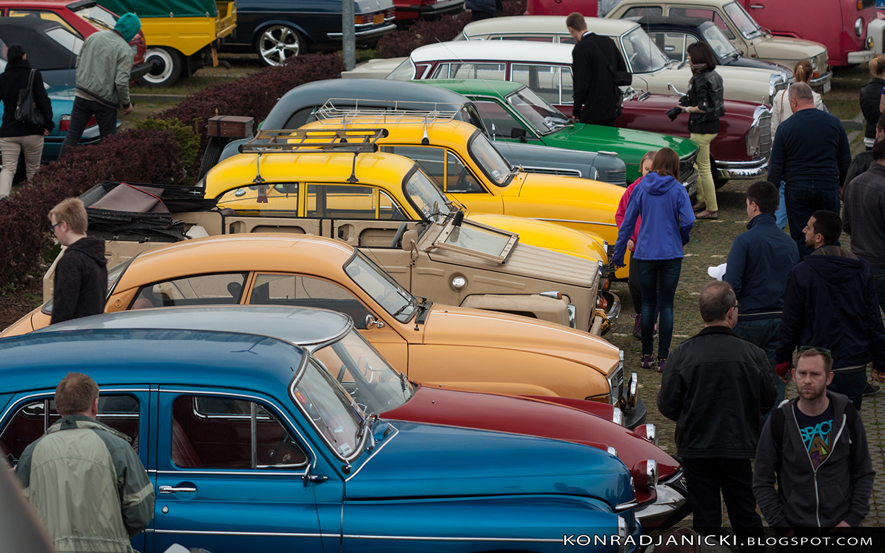 kolorowy plac aut