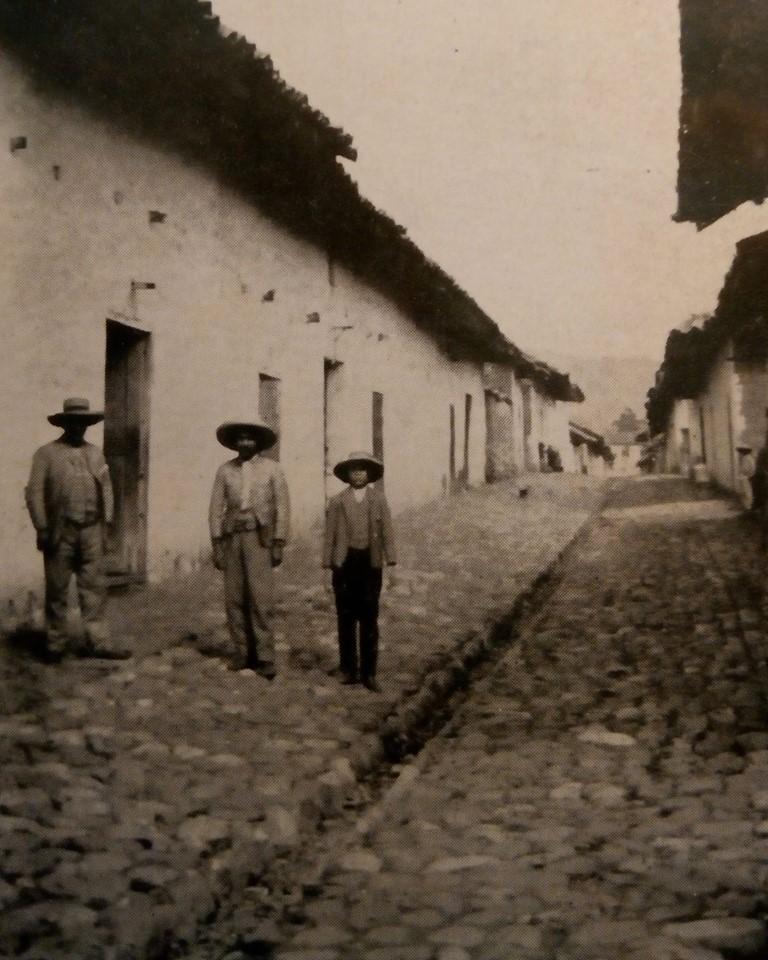 Sobre el empedrado de calles antiguas de Cajabamba - 1863 (Datos históricos)