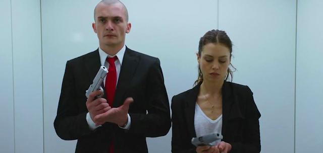 Rupert Friend şi Hannah Ware în filmul Hitman: Agent 47