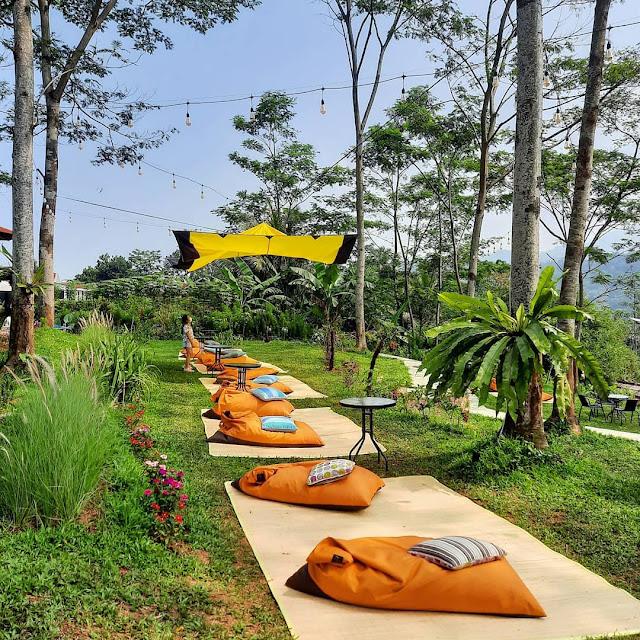 Jatuh Hati Cafe & Resto Bogor