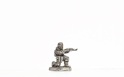 KBR30   Winter kit, kneeling, firing rifle