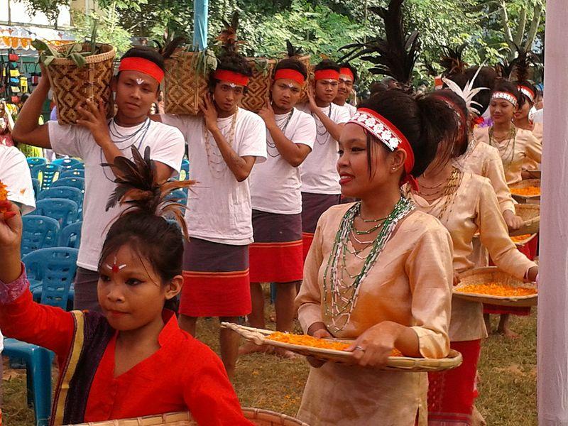 wangala festival,मेघालय पूर्वोत्तर भारत का मिनी स्कॉटलैंड | Interesting facts about Meghalaya in Hindi,Amazing Information about Meghalaya in Hindi - मेघालय के बारे में रोचाक्त तथ्य और जानकारी