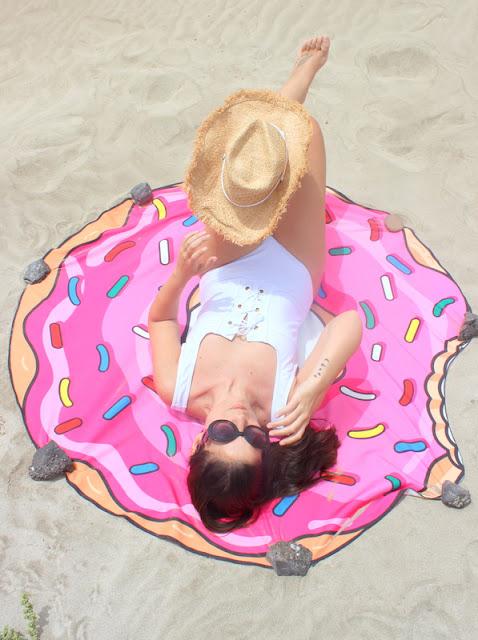 Rosegal_:_Toalla_Donut_para_la_playa_y_Sombrero_Cowboy_The_Pink_Graff_05