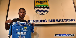 Persib Bandung Resmi Kontrak Ardi Idrus