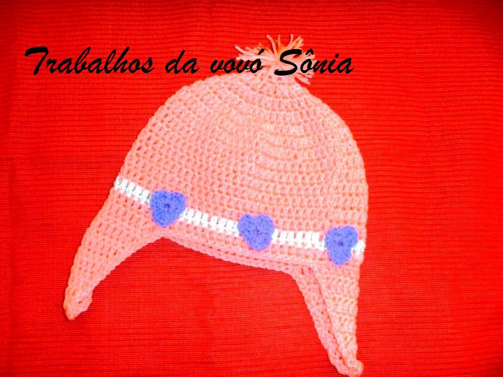 Trabalhos da vovó Sônia  Gorro infantil Poppy rosa com tapa-orelhas ... 433ed96a8f3