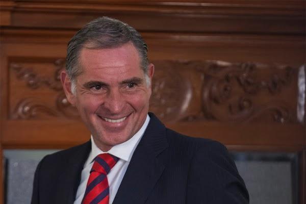 Ex gobernador de Oaxaca ya escapó, desapareció 30 mil millones de pesos, aprueban iniciar juicio político