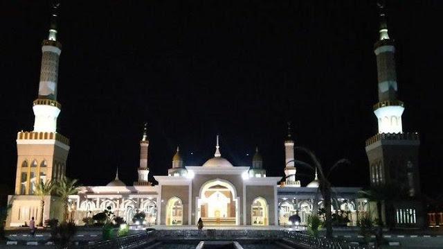 8 Keutamaan Sholat Tahajud pada Malam Ramadhan, Berikut Panduan Serta Bacaan Niatnya