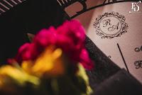 casamento com cerimônia na igreja do santíssimo sacramento e santa teresinha em porto alegre e recepção e festa no maison carlos gomes mansão opera hall com proposta de decoração moderna elegante sofisticada e contemporânea em preto prata e flores coloridas com homenagem a nossa senhora de fatima padroeira de portugal destination wedding wedding planner cerimonialista cerimonial porto alegre portugal fernanda dutra eventos