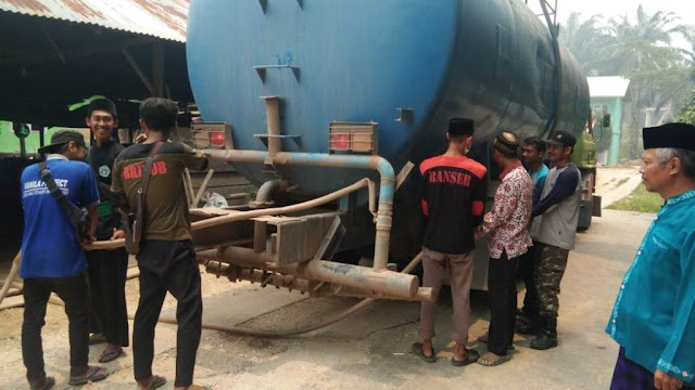 Kekeringan di Pesantren Siak, LAZISNU Bantu Air Bersih