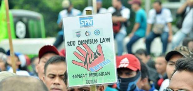 Istana Tegaskan Tak Ada Opsi Perppu Batalkan Omnibus Law Cipta Kerja Meski Didemo Rakyat