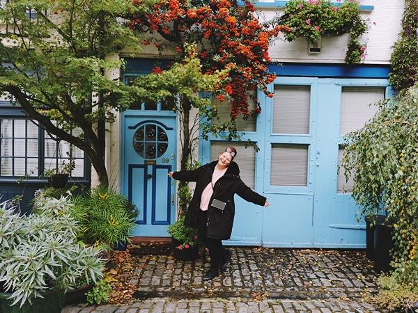 Paddington-Mews-colorful-Aliceee-Traveler