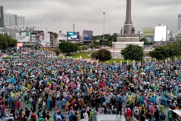 Demonstran Kembali Kuasai Bangkok, Pantang Menyerah Meski Para Pemimpin Aksi Ditangkap Polisi