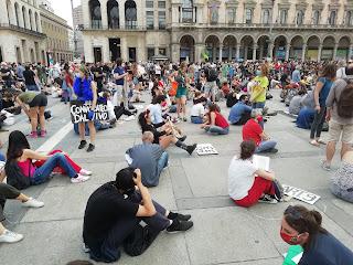 Lavoratori dell'arte, cultura e spettacolo. Milano 30 maggio 2020. foto e video