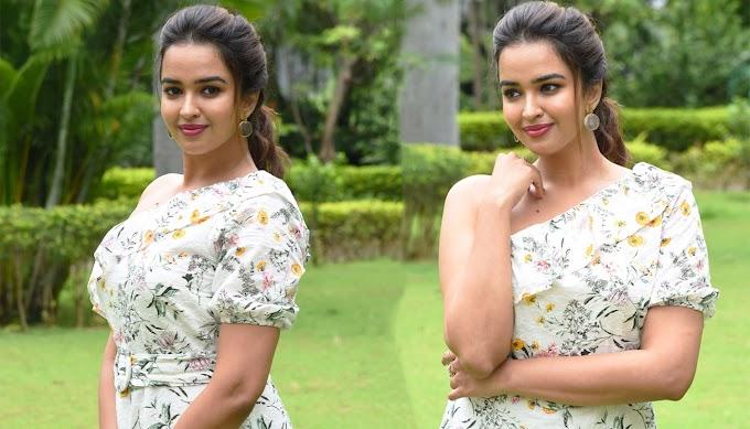 Pujita Ponnada Photos Stills At Aakasha Veedhullo Teaser Launch