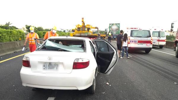 國道1號北上彰化路段4車追撞 拖吊車司機魂斷國道
