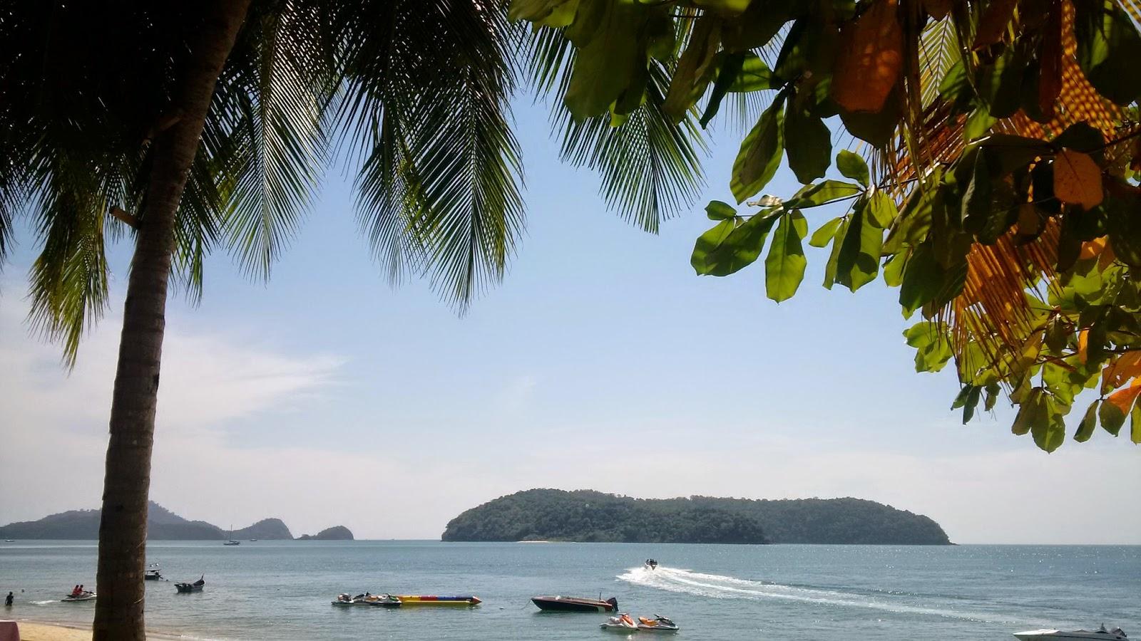 Sugar terrace lounge, sugar langkawi, drink on the beach pantai tengah, read a book langkawi, sport activites langkawi,