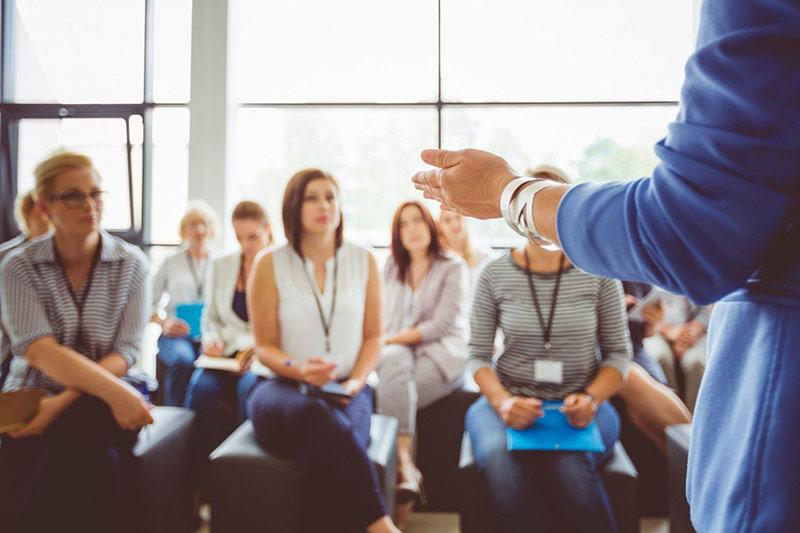 """Ý nghĩa thương hiệu có thể giúp lãnh đạo quản lý một cách """"mềm mỏng"""" hơn – với những khía cạnh liên quan đến con người khi vận hành một doanh nghiệp."""