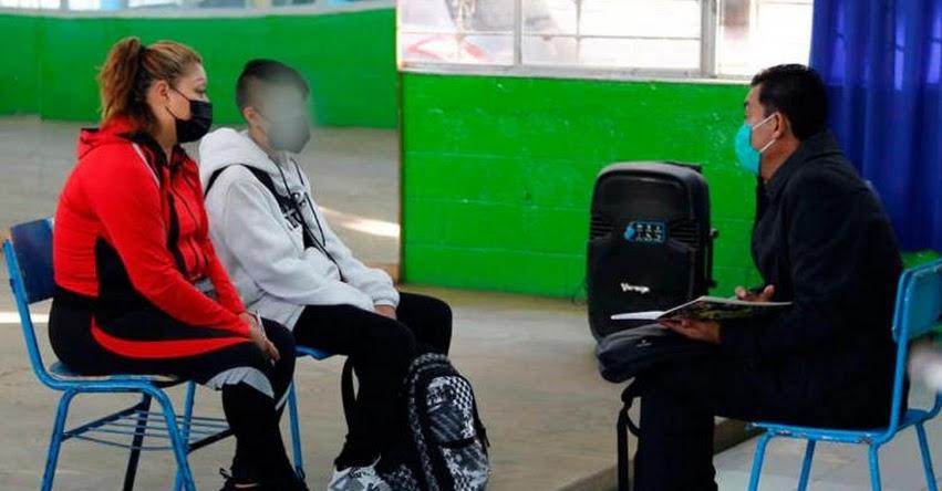 Alumnos de Ecuador y Uruguay regresan a las aulas en medio de la pandemia por el coronavirus