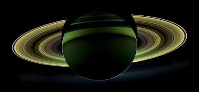 Cibo per microbi abbondanti su Encelado