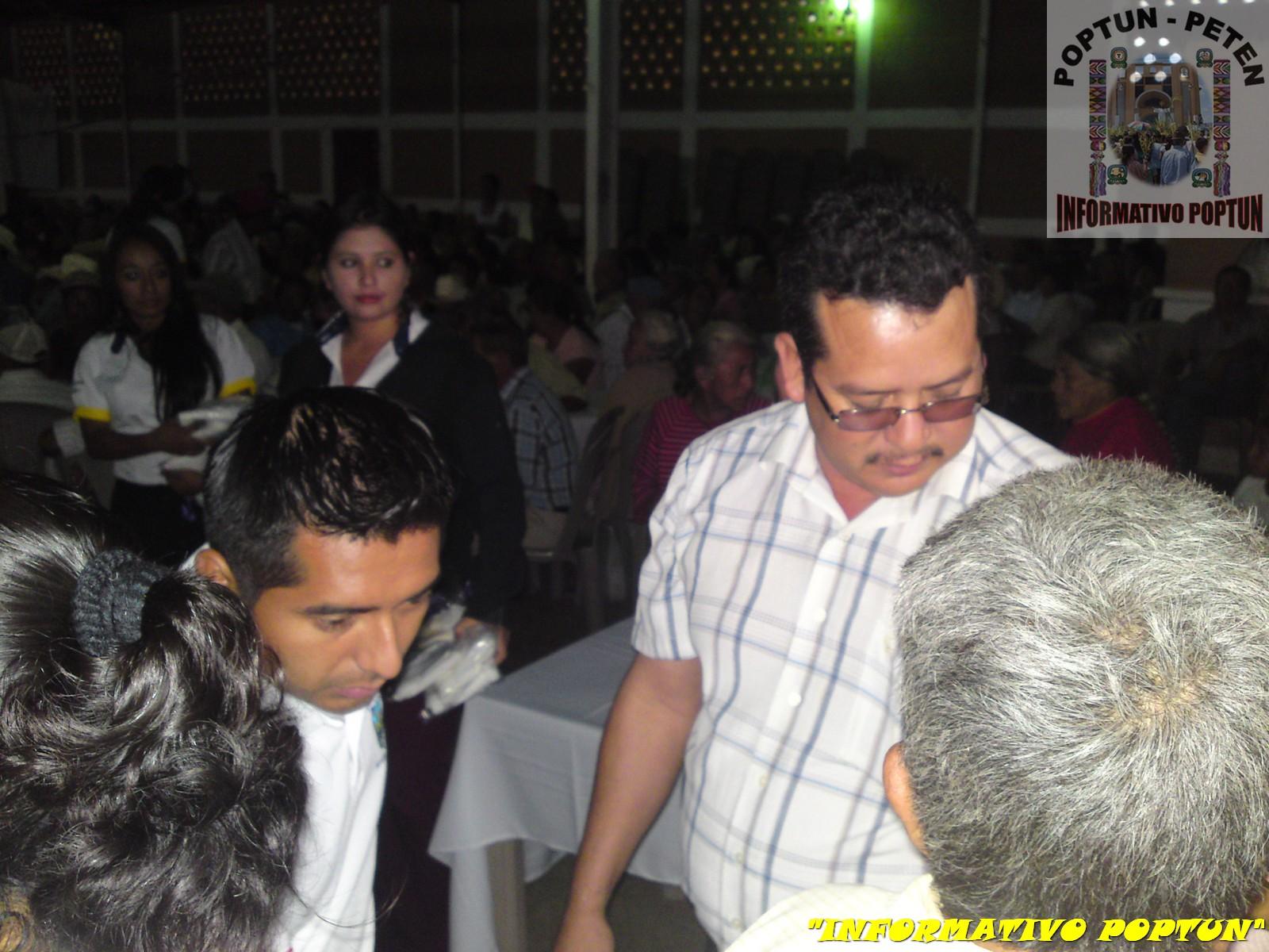 Abuelita en municipalidad pueblo libre 1 - 2 4