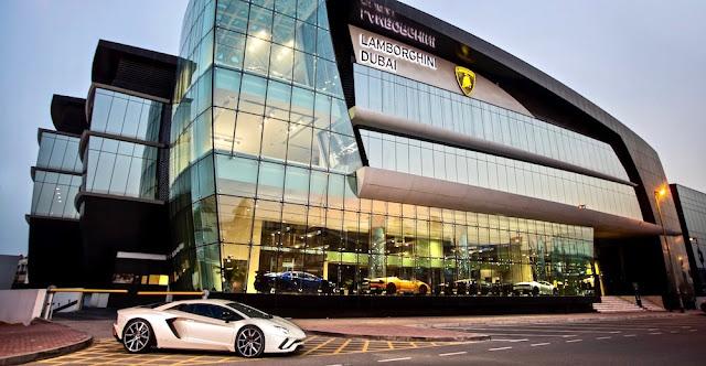 ランボルギーニが世界最大のショールーム「Lamborghini Dubai」をオープン!