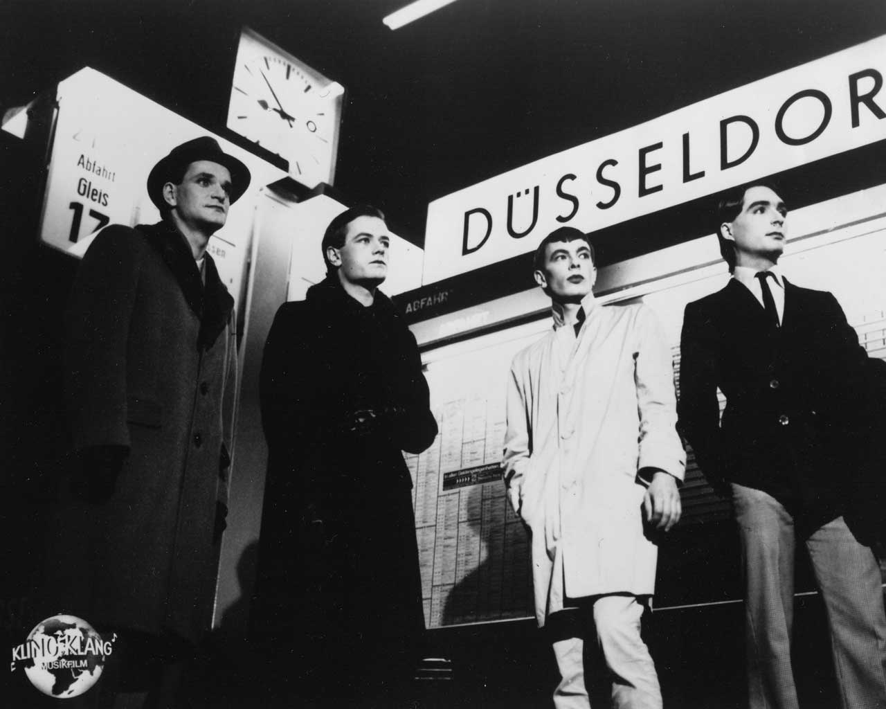 The Knowledge Eater: Kraftwerk: a postmodern consensual ...Kraftwerk