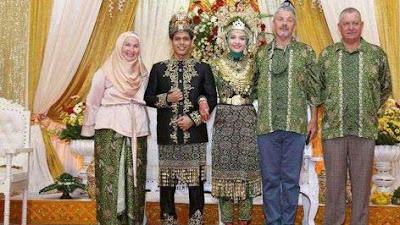 Wynni Jones, Jadi Mualaf Setelah Kagum pada Muslim Indonesia