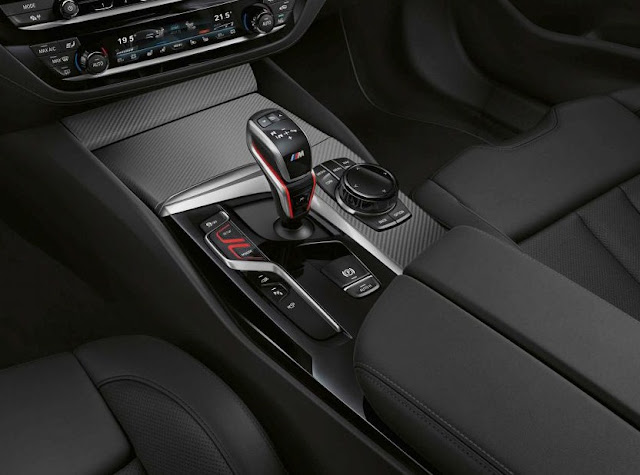 new-bmw-m5-facelift-gear-shifter