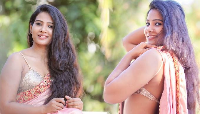 Actress Dhivya Dhuraisamy Hot Pics In Saree Photos