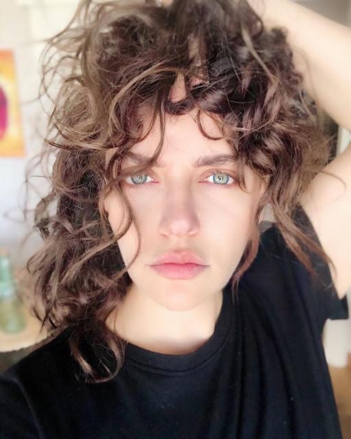 sexy photos of Didem Balçin