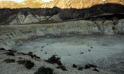 Νίσυρος: Τουρίστας τσουρουφλίστηκε στο ηφαίστειο - Βγήκε ατμός 165 βαθμών Κελσίου