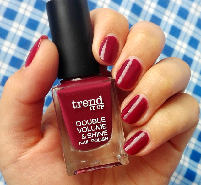 Trend It Up Double Volume & Shine Nail Polish   Shade 260- swatch