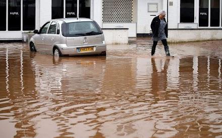 Νέες βροχοπτώσεις και προειδοποιήσεις για πλημμύρες στη Βρετανία