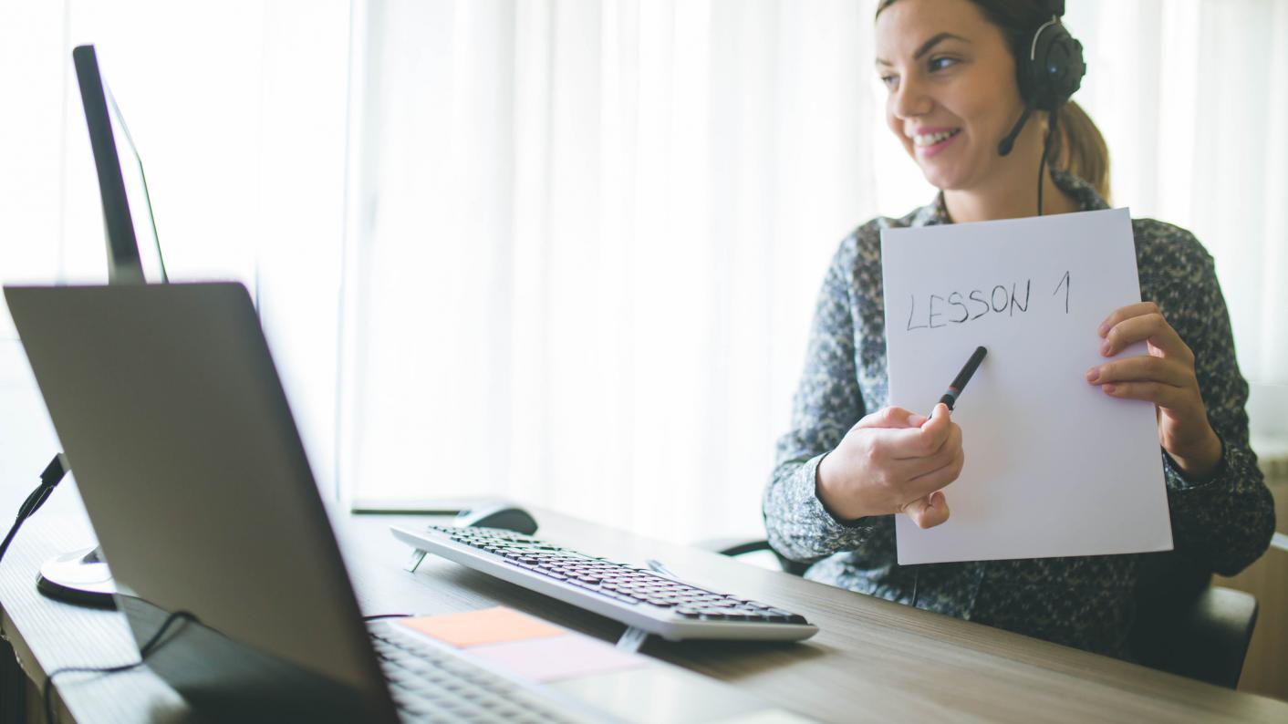 ऑनलाइन कक्षाओं से आख़िर शिक्षकों को क्या-क्या परेशानियाँ हैं?