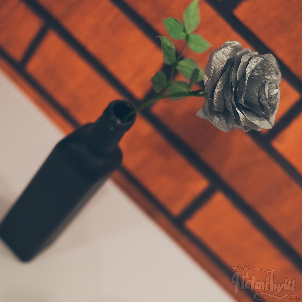 itse-tehty-ruusu-kreppipaperista