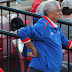 La férrea vigilancia a los peloteros cubanos llama la atención del New York Times