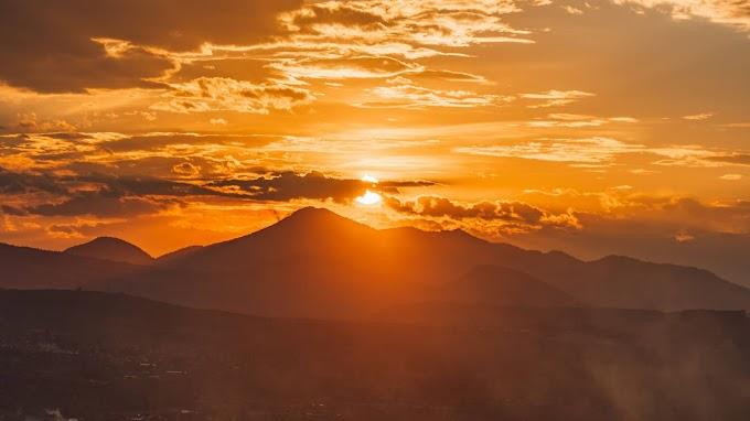 Lindo Crepúsculo Pôr do Sol Montanhas