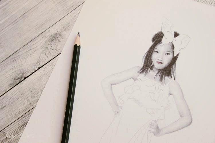 Dibujo realista de niña a lápiz