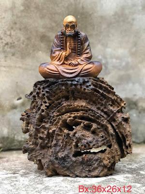 tượng Đạt Ma ngồi thiền gỗ lũa bách xanh mẫu 1